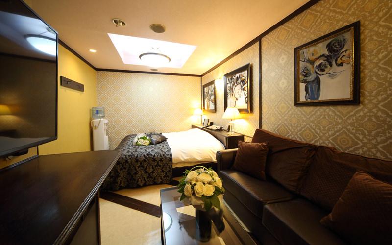 Room318
