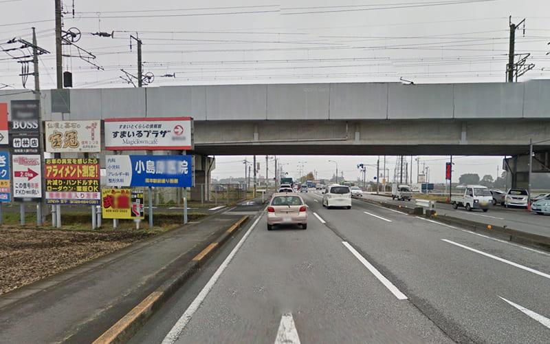 12kmほど道なりに進み、途中東北新幹線の高架下をくぐります。