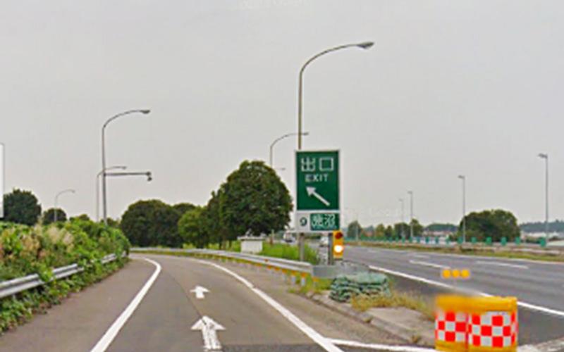 1.東北道を鹿沼インター出口でおります。