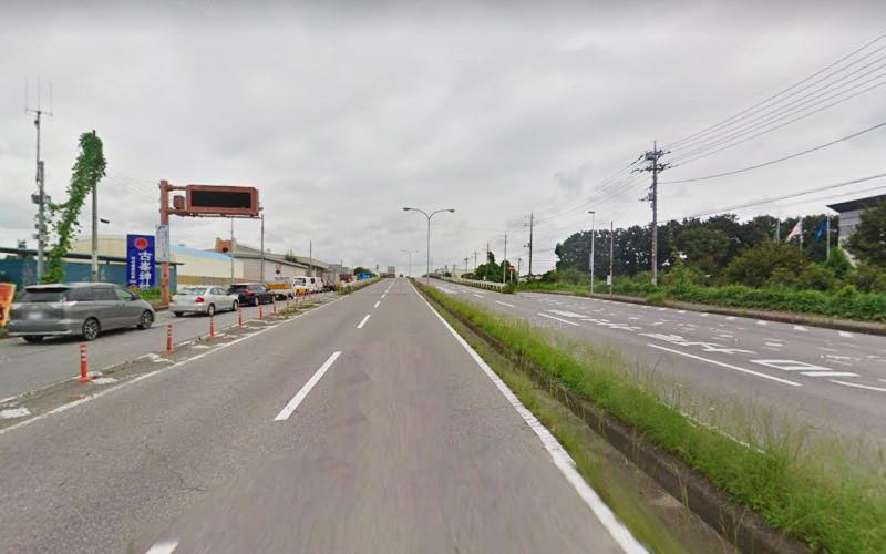3.鹿沼インター通りをしばらく道なりに進みます。