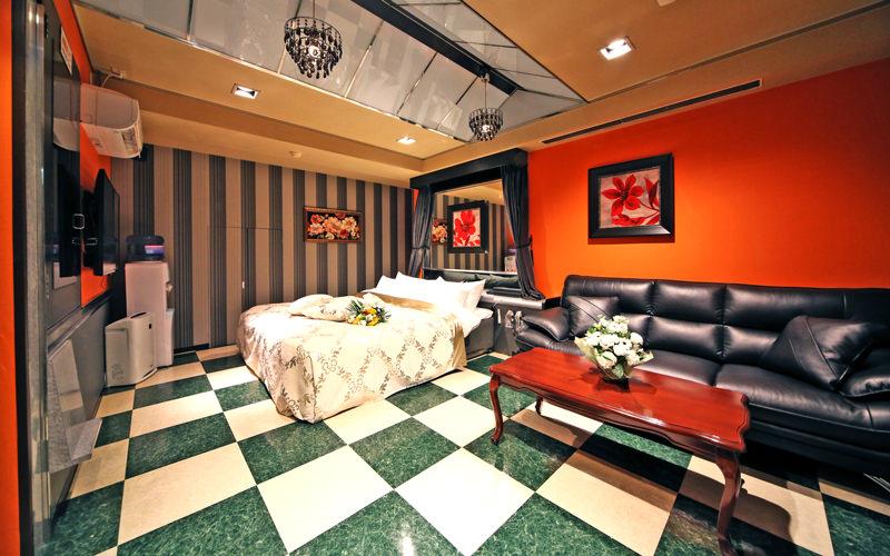 Room803