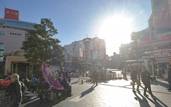JR錦糸町駅南口改札を出て、駅を背に左方向に向かいます