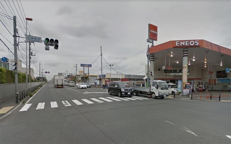 国道16号線を狭山方面に進み、大袋新田の交差点を右折してください。