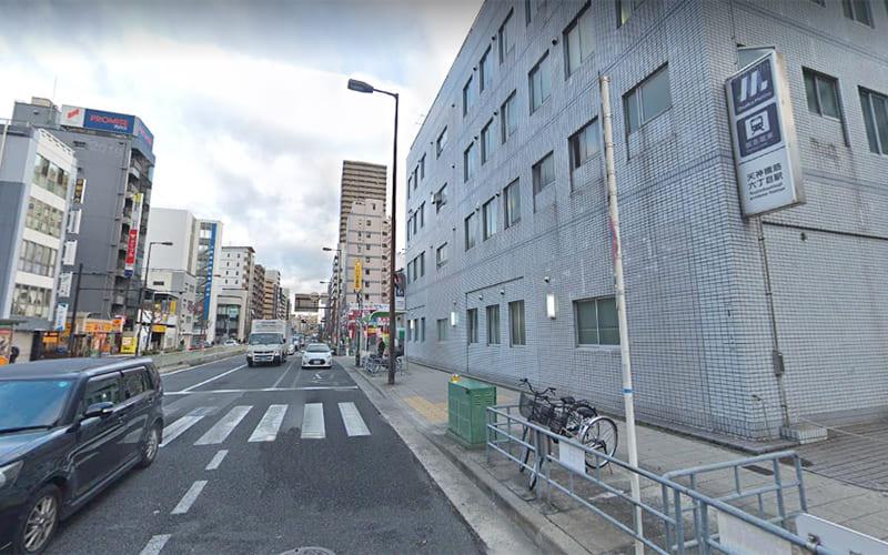 大阪メトロ・阪急線「天神橋筋六丁目駅」から天神橋筋へ出ます。